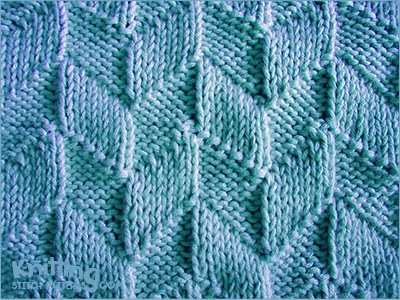 Parallelogram Stitch - Knitting Stitch patterns found at http://www.knittingstitchpatterns.com