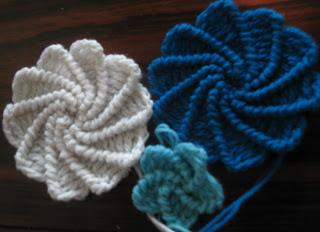 Free Crochet Pattern - Spiral Flower ♥ http://thecrochetcharm.blogspot.com