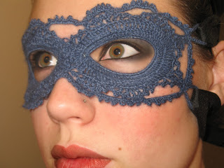 Free Pattern | Crochet Lace Mask by craftdisasters.blogspot.com