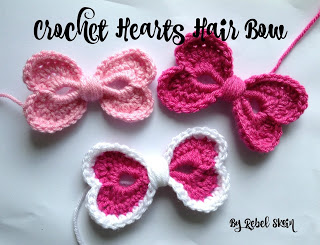 Free #Crochet Pattern - Hearts Hair Bow